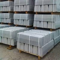 Камни бортовые бетонные (бордюры) БР 100.30.18