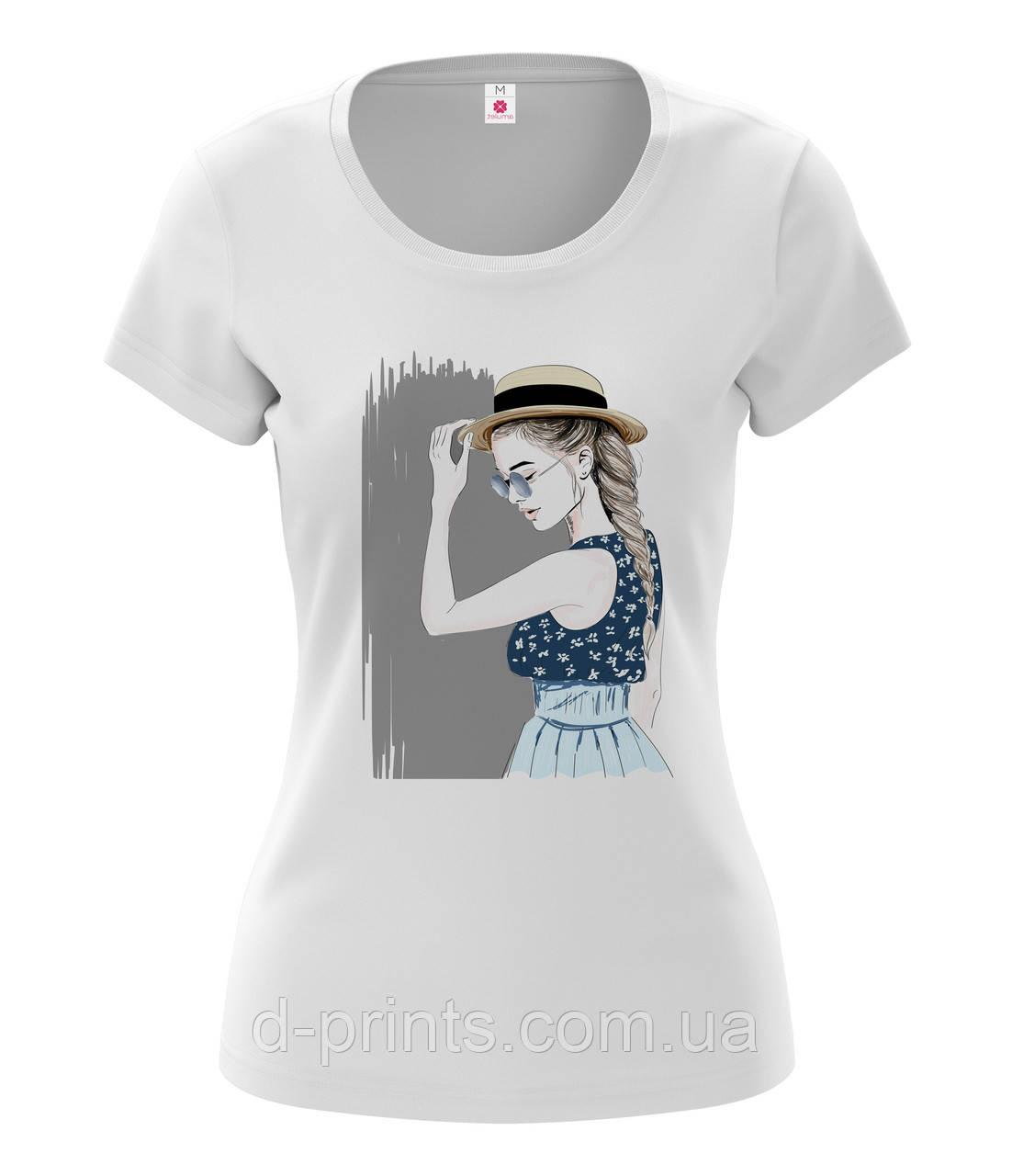 """Футболка женская с рисунком """"Девушка в шляпе"""""""
