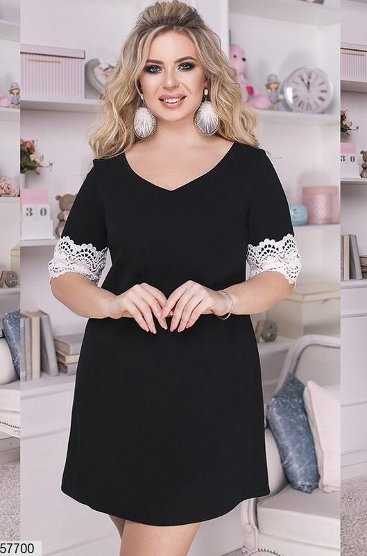 Черное нарядное платье больших размеров с кружевом