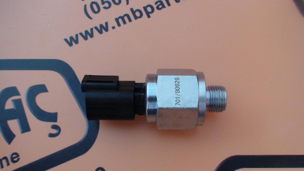 701/80626, 701/80591, 701/80319, 701/M7305 Датчик давления масла КПП на JCB 3CX, 4CX