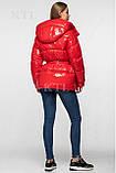 Модна лакова зимова куртка з поясом, подовжена оверсайз, фото 2
