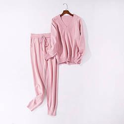 Женский красивый осенний костюм кофта и штаны розовый размер S/M