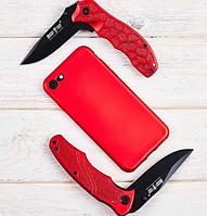 Нож складной с металлической рукояткой, клинок со скосом обуха, с подпальцевыми выемками, красного цвета, фото 1