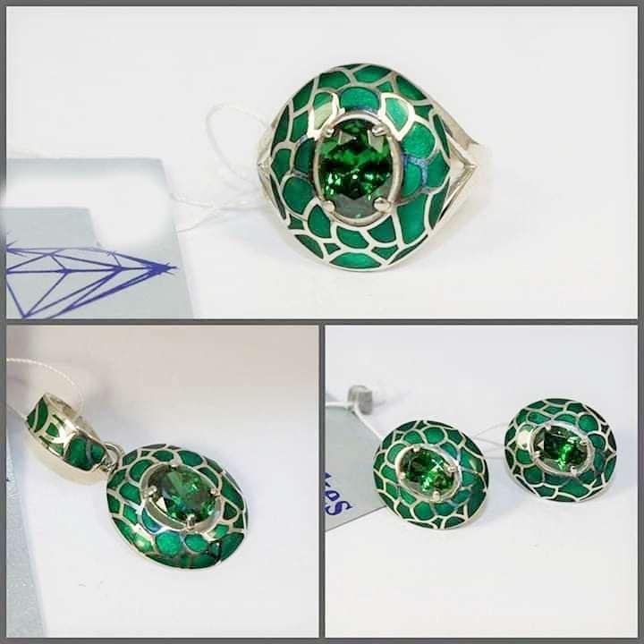 Серебряные набор с зеленый эмалью и цирконом Мирабелла