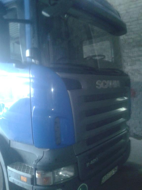 Замена лобового стекла на грузовике Scania R 420 в Никополе 6
