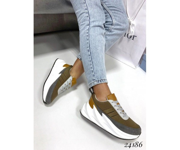 Женские модные кроссовки текстиль 38