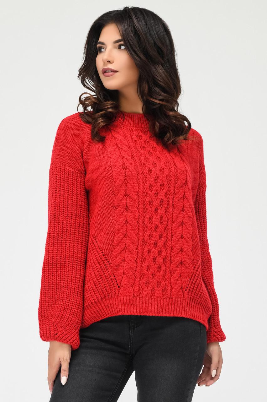 Вязаный свитер с узорами красный