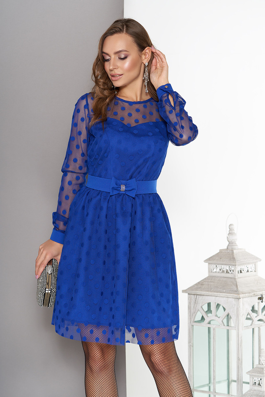 Вечернее платье в горошек с поясом электрик