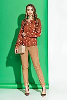 Красивая блузка с принтом коричневая