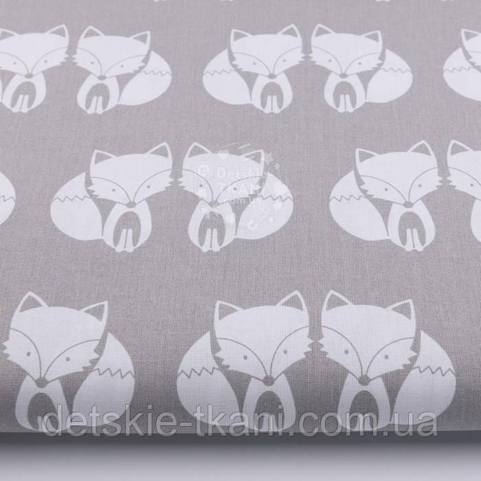 Ткань с лисичками на сером фоне (№ 1).