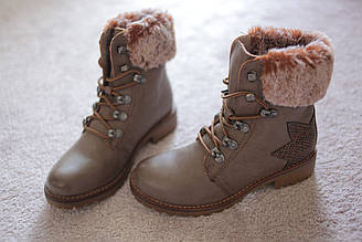 Женские ботинки Тимберленды бежевые с опушкой из шиншиллы 36-41