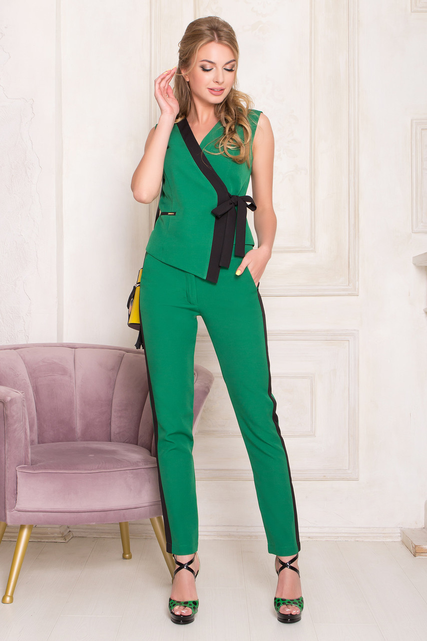 Костюм женский брючный деловой зеленый, фото 1