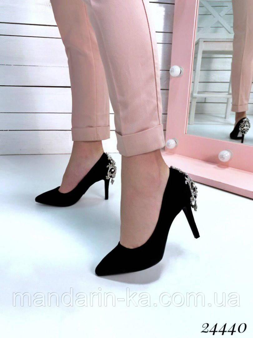 Туфли  женские  лодочки черные  с украшением шпилька  9 см