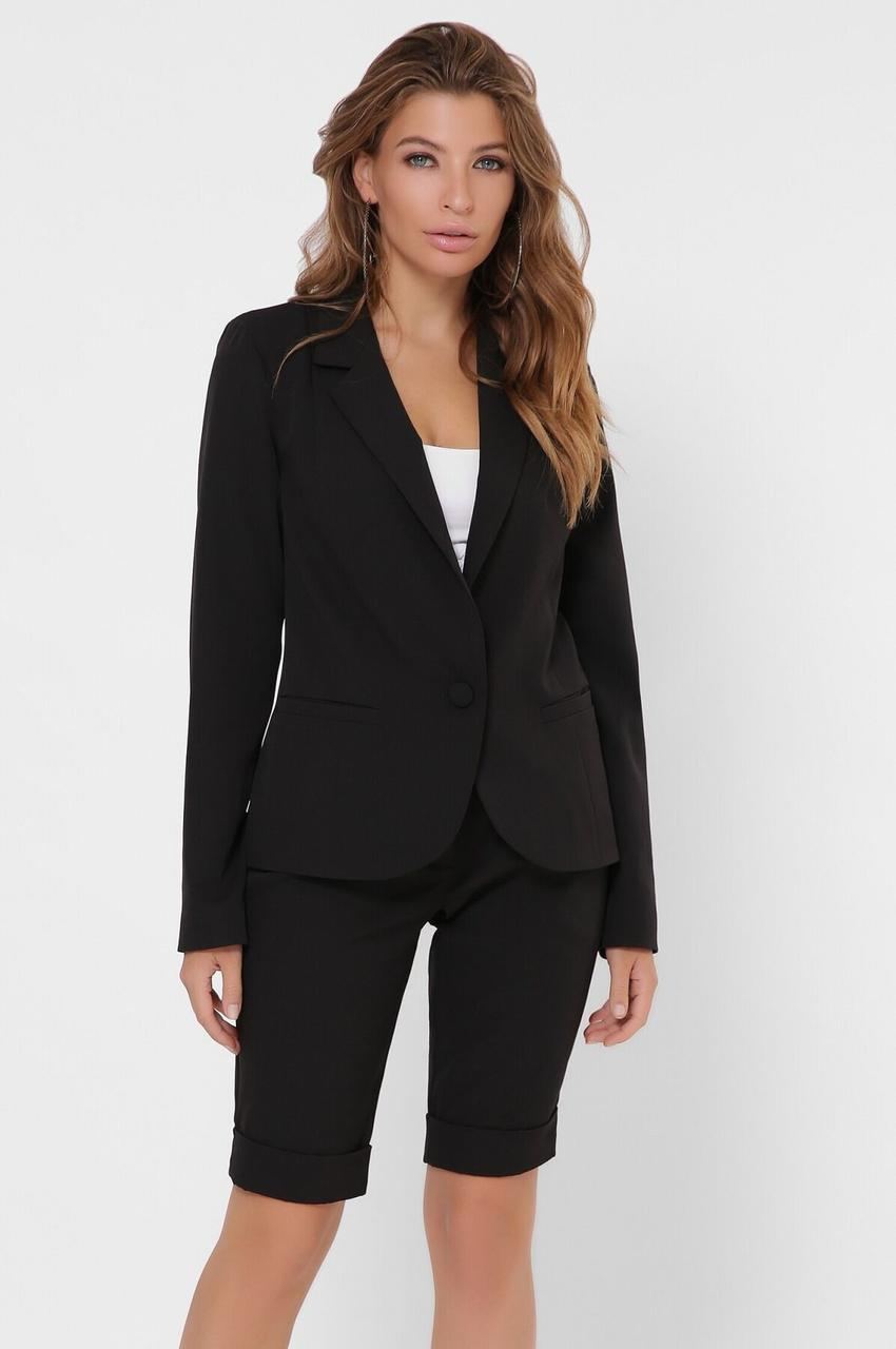 Женский офисный костюм с шортами черный