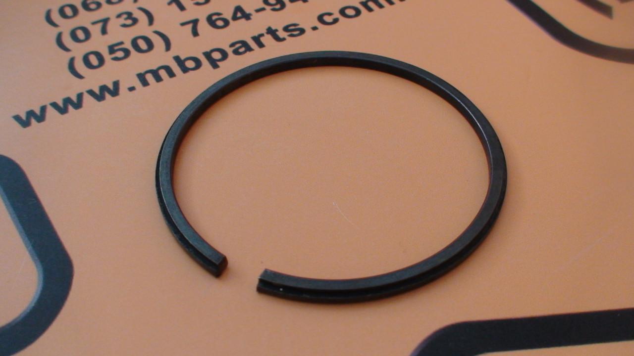 812/00209, 821/00209 Стопорное кольцо бортовой на JCB 3CX, 4CX