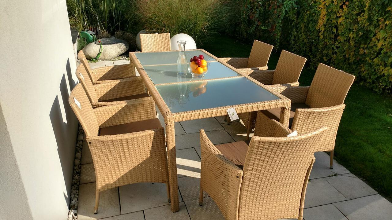 Обідній комплект меблів зі столом для саду ENDO 8+1