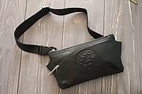 Поясная сумка из кожи Versace с регулируемым ремнем / Бананка