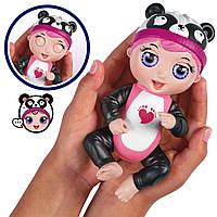 Fingerlings Интерактивная игрушка кукла-пупс Тини Тойс Панда/ Tiny Toes Giggling Gabby Panda