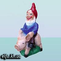 Скульптура для дома и сада Гном на свинье 80 см.