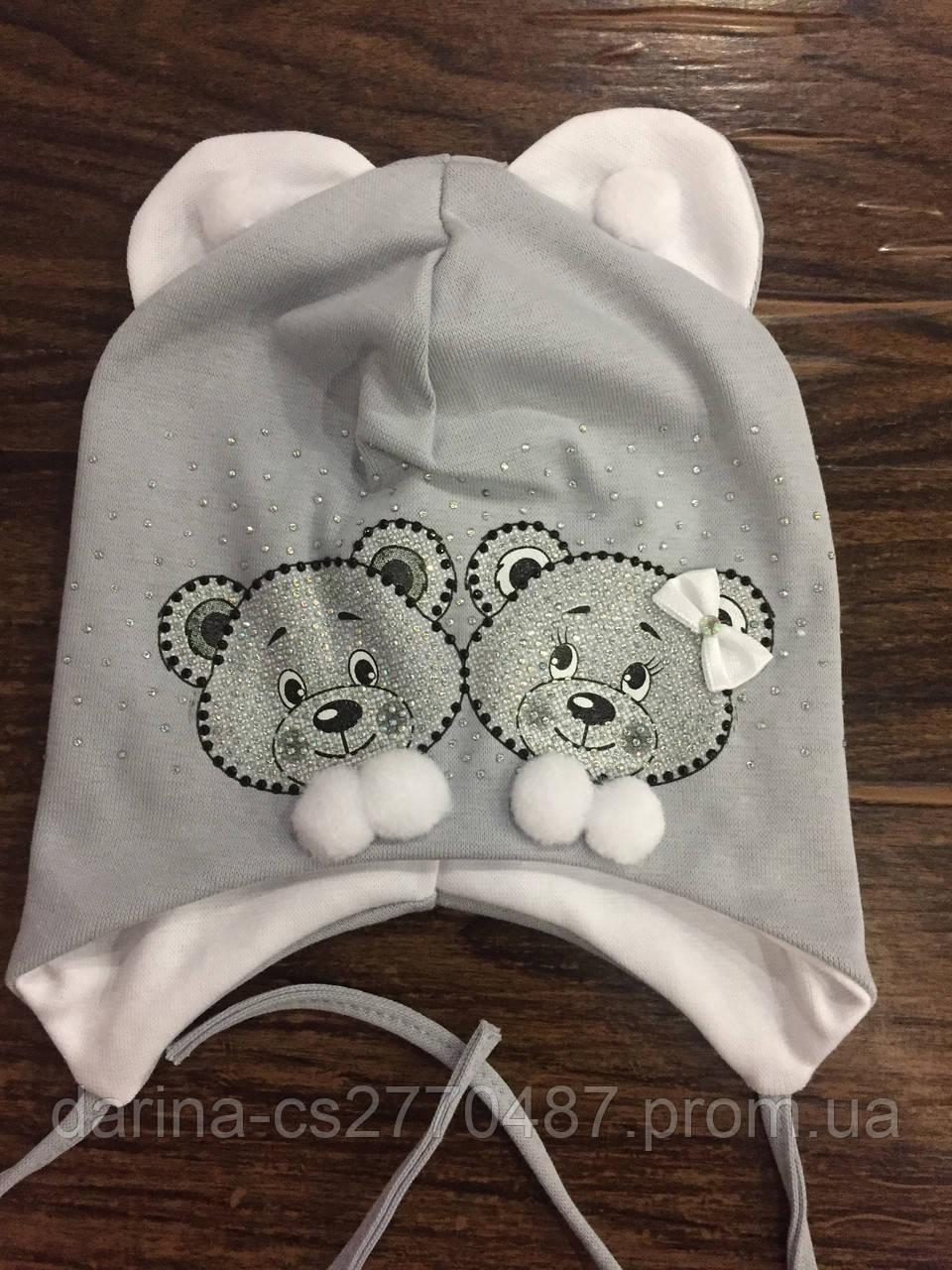 Шапка на завязках для девочки с ушками
