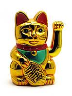 Кошка Манэки-нэко машущая лапой пластик (18х11х10 см)(батарейки в комплект не входят)
