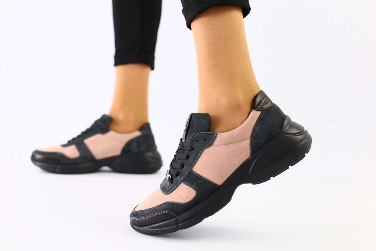 Женские кроссовки из замши и кожи, цвет пудра с серым