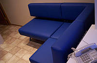 Угловой диван для кухни с вместительными ящиками