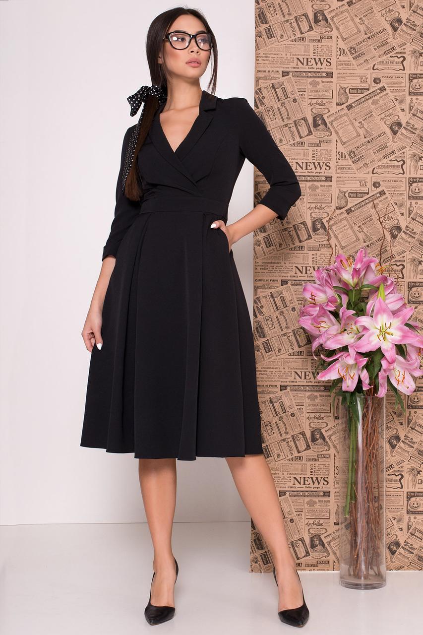 Осеннее платье низ свободный рукав три четверти V-образный  цвет черный