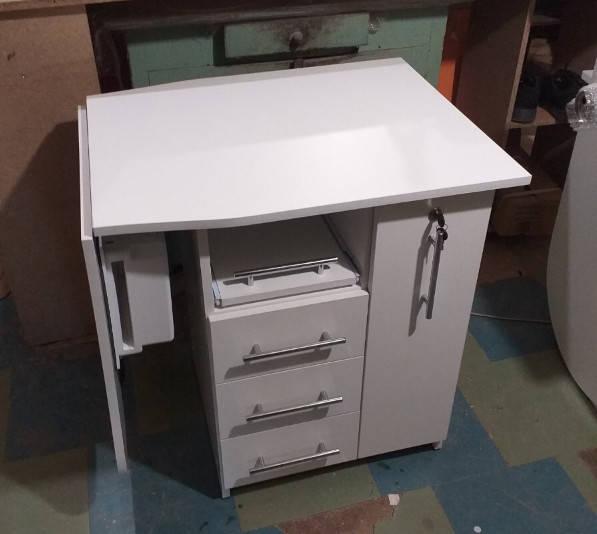 маникюрный стол V457  Укомплектован мощной вытяжкой Teri Turbo с НЕРА фильтром (без мешков для пыли)