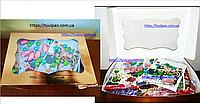 Картонная коробка для подарков  с окошком золотая 25*17*8 см