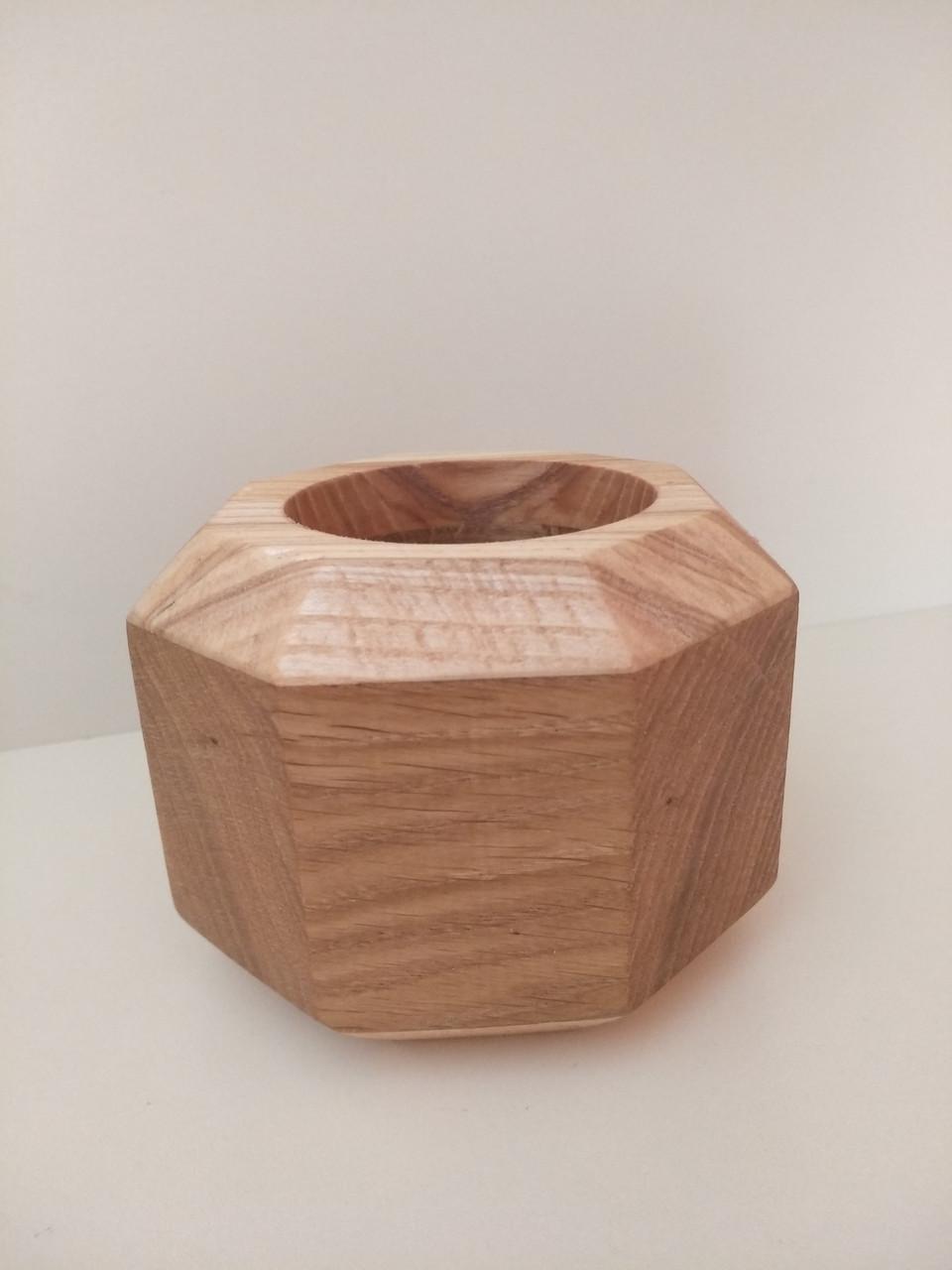 Дерев'яні кашпо геометричної форми