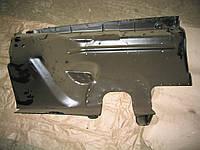 Брызговик двигателя крыла левый ГАЗ 3102