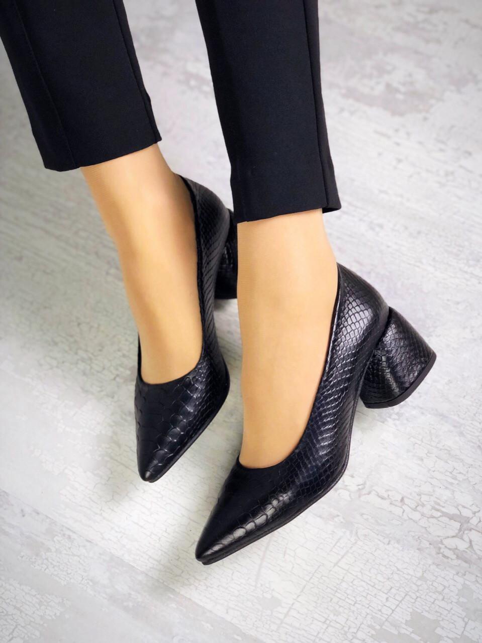 Шикарные кожаные туфли на каблучке 36-40 р чёрная рептилия