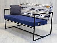 Софа диван с подлокотниками в стиле лофт .