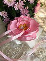 Розовая свадебная подушка для колец с цветком hand made
