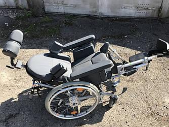 Практичная и надежная многофункциональная инвалидная коляска для дома и улицы б.у. ширина сидения 40 см