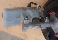 Главный тормозной цилиндр 4 выходаRenaultTrafic 2.0dCi2000-TRW  32067008-C