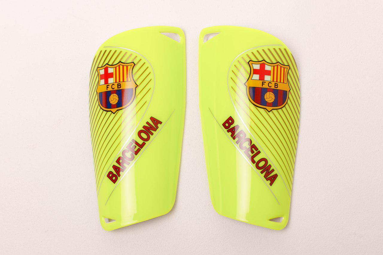 Щитки для футбола  Барселона салатовые 1085(реплика)