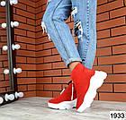 Женские ботинки в красном цвете, из натуральной замши (в наличии и под заказ 3-14 дней), фото 2