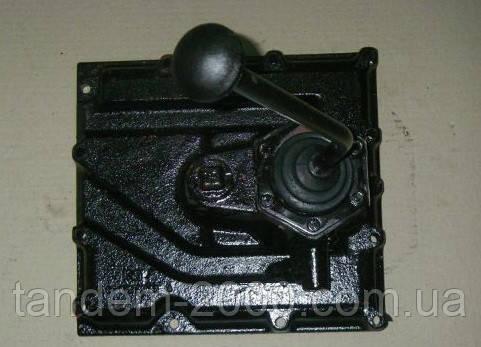 Крышка коробки передач (стар.образца) (ПО МТЗ) 70-1702010