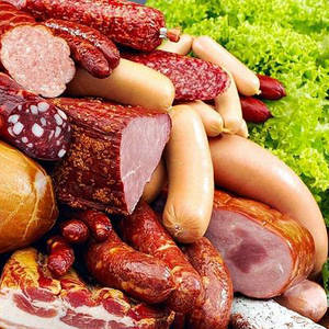 Колбасы и мясные изделия