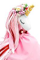 Єдиноріг, рожева сукня