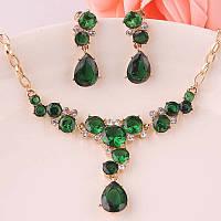 Набор/Комплект с  зелеными камнями фианита, колье, серьги