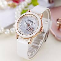 Женские наручные часы с цветочком Daisy white