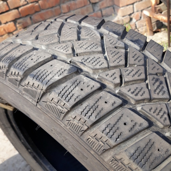 Шины б.у. 205.65.r16с Dunlop SP LT60 - 8 Данлоп. Резина бу для микроавтобусов. Автошина усиленная. Цешка