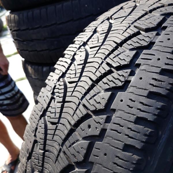 Бусовские шины б.у. / резина бу 215.65.r16с Pirelli Chrono Winter Пирелли  - купить со скидкой