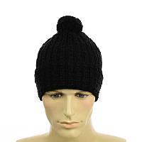 Черная шапка на флисе с помпоном