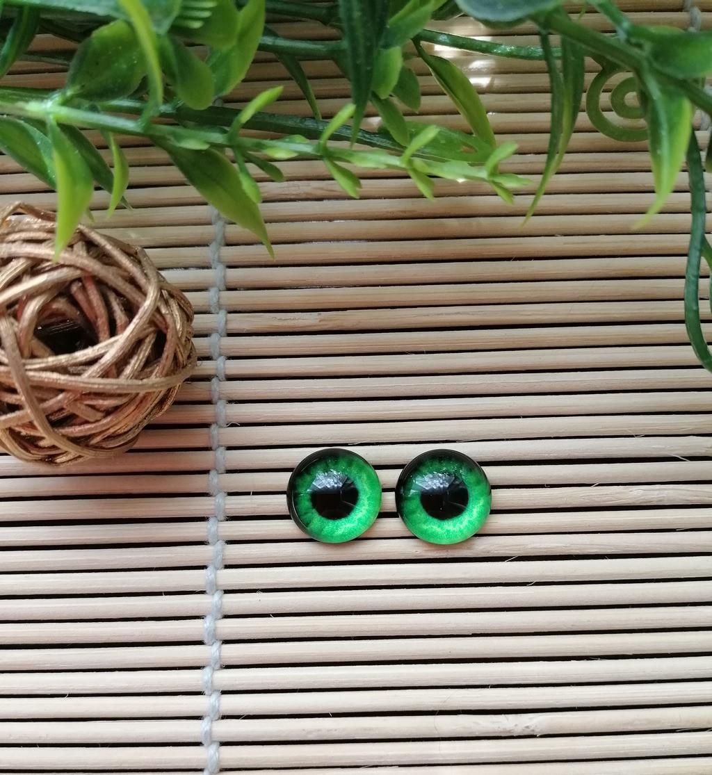 """Глазки """"живые"""", 12 мм, ярко зеленые"""