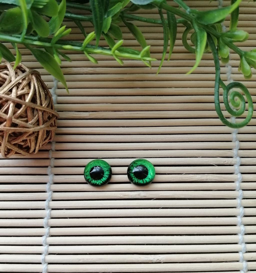 """Глазки """"живые"""", 10 мм, ярко зеленые"""