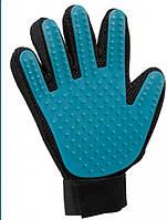 Расчеcка-перчатка для вычесывания шерсти у животных